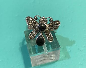 Vintage sterling silver handmade ring, solid 925 silver bee with obsidian and marcasite inlay, stamped 925