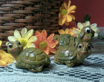 Turtle Figurine Set Tortoise Animal Family Collectables Garden Animal Figurine Small Statues Mom Baby Green Brown Black Red