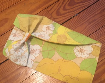 Retro green floral hand purse clutch upcycled vintage sheets