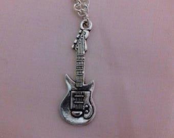 Collar de guitarra, música ventilador cadena, regalos musicales, cadena plateada, regalo con temas de música, instrumento colgante, elegante joyería de plata
