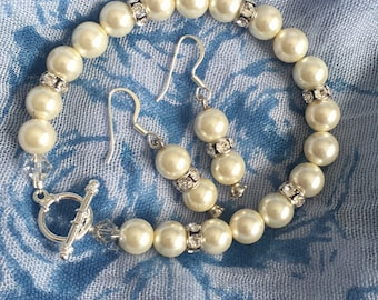 Luxurious Swarovski pearls and crystals