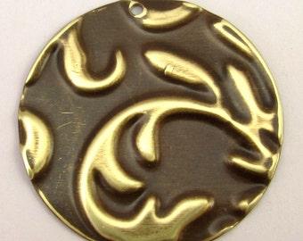 Leaf Frond, Round Pendant, Embossed Vintaj Brass E6