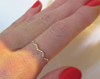 Wave Silver Ring, Hammered Ring, Thin Dainty Ring, Super Thin Silver Ring, 925 Sterling Silver Ring, Thin 1,0 mm Stackable Ring