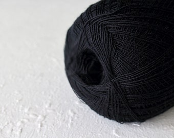 Cobweb black color wool yarn - haapsalu shawl yarn