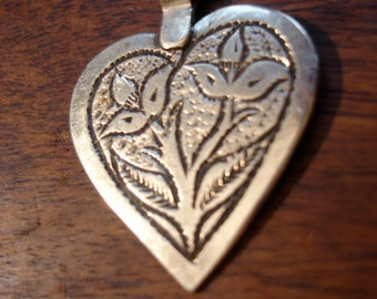Moroccan  small hand engraved  heart pendant with flower