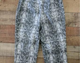 Vintage Snake Print Pants, Harris Wallace Womens Pants, Retro Look Stretch Capri Pants, Retro Pants, Animal print Size 8