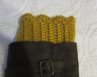 Crochet Boot Cuffs,Boot Cuffs,Scalloped edge,Gold,Gold Boot Cuffs,Boot Topper,Boot Socks,Scalloped Boot Cuff.Womens Fashion,Gold Boot Cuff