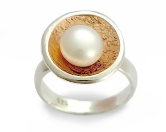 Single pearl ring,  silver gold ring, Engagement Ring, Two tones Ring, For woman, Gemstone dainty ring, Estate ring, Round gold bezel ring