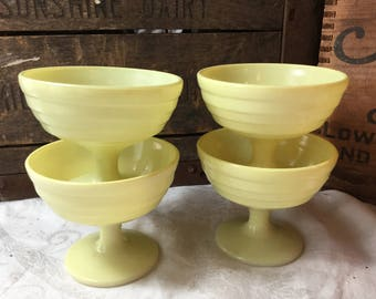 Vintage Set of 4 /  Hazel Atlas Yellow Sherbert / Ice Cream Cups / ModernTone / Platonite / 1940's