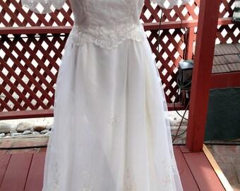 Vintage 1980's Wedding Dress