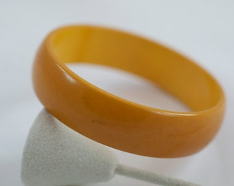 Vintage Butterscotch Bakelite Bangle Bracelet  .....2293