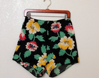 RARE Vintage 40's High Waisted Cotton Shorts, size Medium/Large - pin up, tiki, vlv, rockabilly