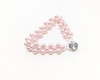 pink pearl bracelet . swarovski pearl . light pink . pale pink . bridesmaid bracelet . custom . pale dogwood .