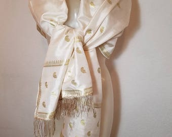 FREE  SHIPPING  1950 Silk And Fringe Shawl