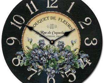 Bouquet De Fleurs Violets Wall Clock