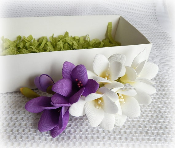 Lila Blumen Kopfschmuck lila weiße Blume Haar Clip Hochzeit