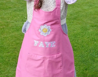 Embroidered Personalised Pink Bib Apron with a Floral Daisy Applique. Adult/Children Size. Personalised Gifts. Kitchen Cooking. Baking Gift