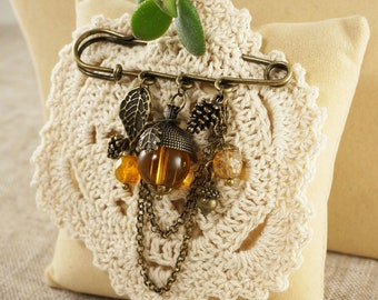 Pin Brooch Autumn Forest Gifts, honey-yellow glass (#5382)