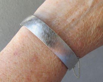Signed B.A.Ballou Vintage Brushed Sterling Silver Hinged Bangle Bracelet
