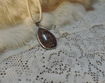 Teardrop lace agate and silver pendant