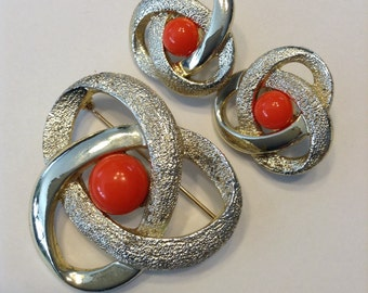 ON SALE NOW! Vintage Sarah Coventry Orbit Brooch and clip on Earrings. Was 22.00