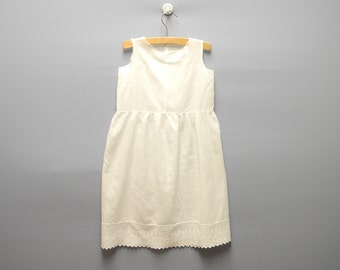 Vintage Baby Clothes, 1920's Handmade White Embroidered Baby Girl Shift Dress, White Baby Dress, Vintage Baby Dress, Size 3T