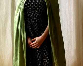 Victorian reversible chartreuse and black cape || 1890s green and black silk long cape with big ruffled collar