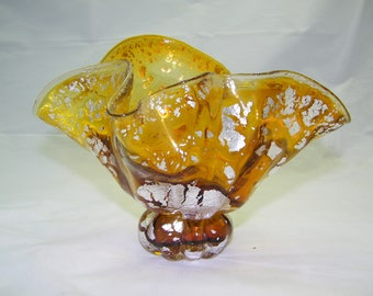 Gold and Silver Clam Shell Vase      (Napkin Holder/Letter holder)