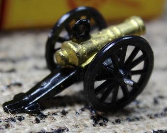 1 Miniature Metal Canon