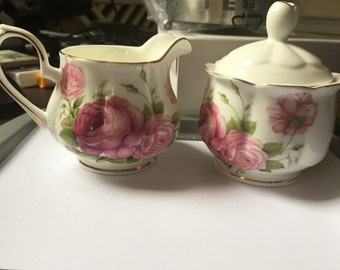 Rosebuds Creamer Sugar Set