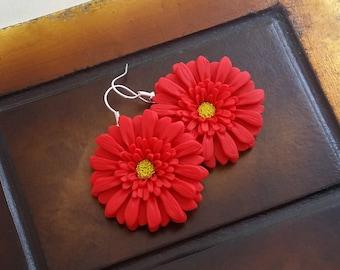 Bright red gerbera daisy earrings handmade from polymer clay, red flower earrings, red earrings, gerbera daisy, spring jewelry, boho wedding
