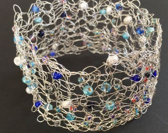 Beautiful, Delicate, Knitted Wire Bracelet.  Soft Non-Tarnish Silver Plated Wire with Seed Bead Decoration. Blues and White