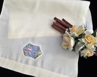 Embroidered Tea or Guest Towel. Vintage Embroidered Linen Towel. Pale Yellow Linen and Embroidered Muslin Guest Towel. Linen Towel RBT3511