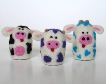 NEEDLE FELTING KIT / Spotted Cow Fuzz Butts / Learn to Needle Felt with Wool /Cow felting kit for beginners / Beginner felting kit