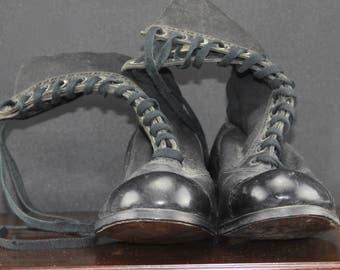 Edwardian paio di stivali di pelle della ragazza