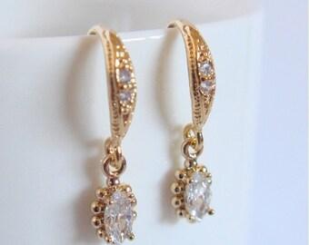 Tiny crystal and gold bridal earrings II - Wedding earrings - Bridesmaids earrings gift - Cubic crystal drop earrings
