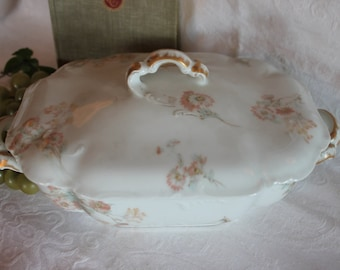 Antique Haviland & Co. Limoges Covered Serving Bowl - 7826, Pink Daisies, In Excellent Condition!