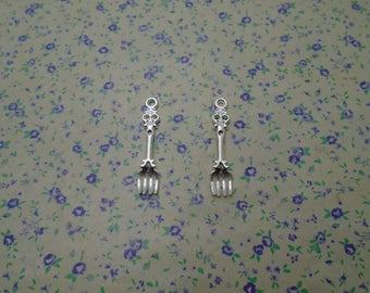 30 pcs of shiny silver color metal fork pendant charm , 32*8mm , MP1112