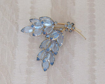 Beautiful Vintage Blue Crystal Brooch