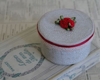 Small Round Birthday Gift Box with Roses, No 3. 8cm x 4cm.