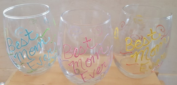Best Mom Ever Hand-Painted Wine Glass