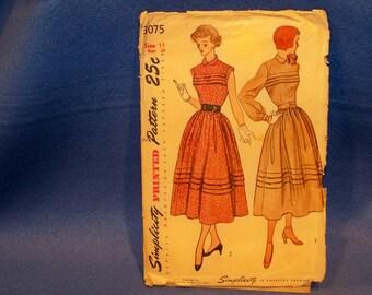 Vintage Simplicity Pattern - 3075 - Dress   Size 11