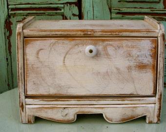 bread box storage, wooden, wood breadbox, kitchen decor, distressed bread box, hostess gift, country kitchen, counter organizer, organizers
