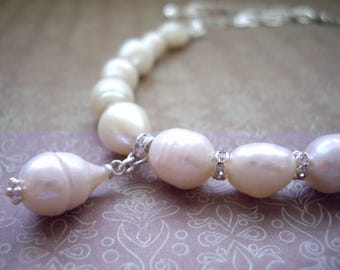 Pearl choker, Wedding jewelry, Baroque pearl, Choker necklace, Pearl strand necklace, Rhinestone, One of a kind Bridal jewelry, Off white