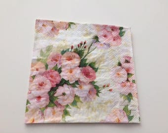 With its pretty roses paper napkins