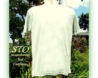 crew neck shirt, men's knit shirt, green knit shirt, short sleeve shirt, size M (medium), # 24