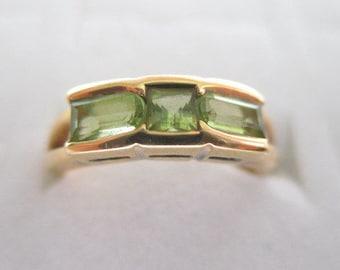 18k Yellow Gold Peridot Ring 4.2 Grams Size 6 - 6.25