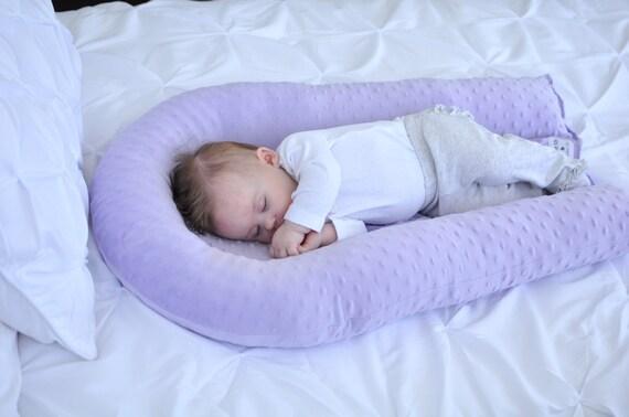baby pillow cosleep baby cradle me pillow. Black Bedroom Furniture Sets. Home Design Ideas