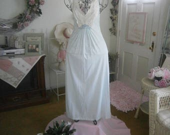 Vintage Lace Detail Night Gown Size Small Color Aquamarine