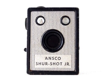 Vintage Ansco Shur Shot Jr. Camera (c.1940s) - Collectible, Display or Photo Prop